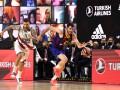 Анадолу Эфес и Барселона сыграют в финале Евролиги