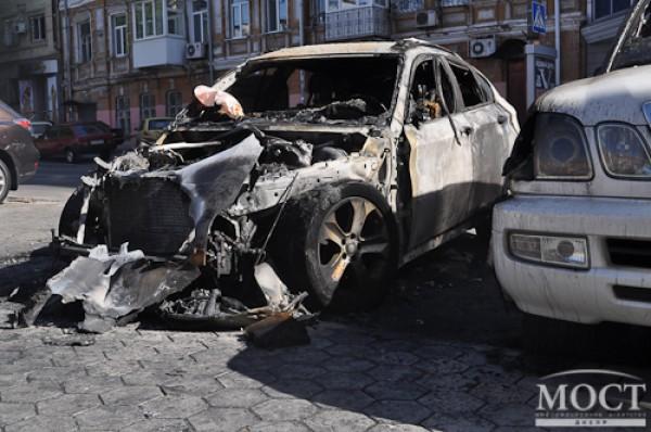 Машина Олейника серьезно пострадала