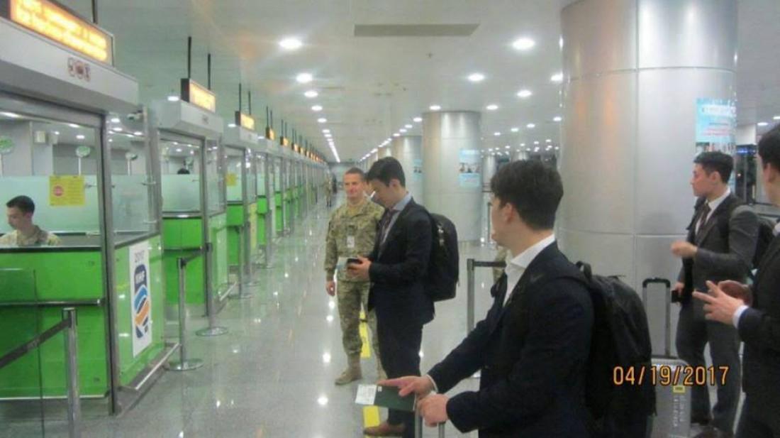 Корейские хоккеисты прибыли в Киев