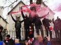 Фанаты Ливерпуля ночью запустили фейерверки под окнами отеля с игроками Барселоны