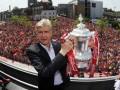 Арсен Венгер будет тренировать Арсенал еще два с половиной года