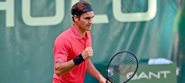Федерер одержал непростую победу на старте турннира АТР в Халле