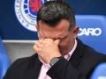 После поражения, тренер Осиека показал фанам соперника непристойный жест