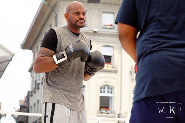 Тони Томпсон - сентиментальный боксер
