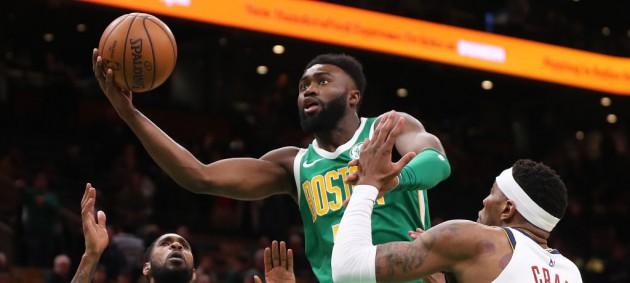 НБА: Голден Стэйт проиграл Сан-Антонио, Чикаго сильнее Финикса