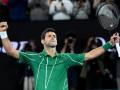Карантинные будни: Джокович использовал сковороду для игры в теннис