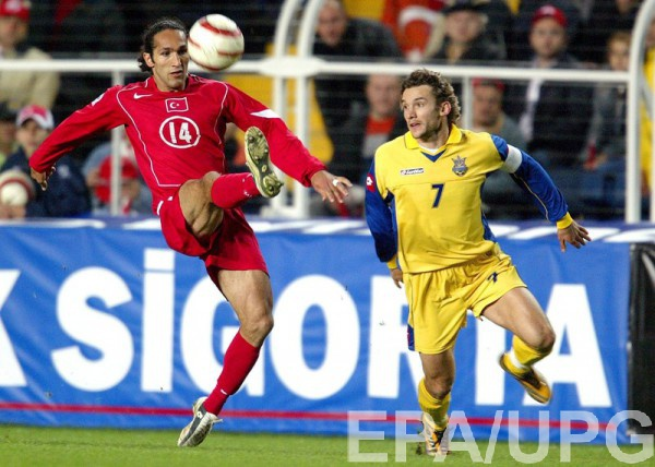 Андрей Шевченко в качестве футболиста сборной Украины против Турции