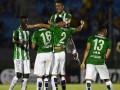 В Колумбии футболисты устроили сидячую забастовку