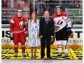 Тренеры сборной Канады надели георгиевские ленточки на матч ЧМ по хоккею