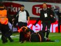 В Турции фанат избил арбитра во время матча