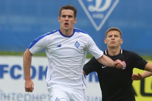 Артем Беседин (слева)