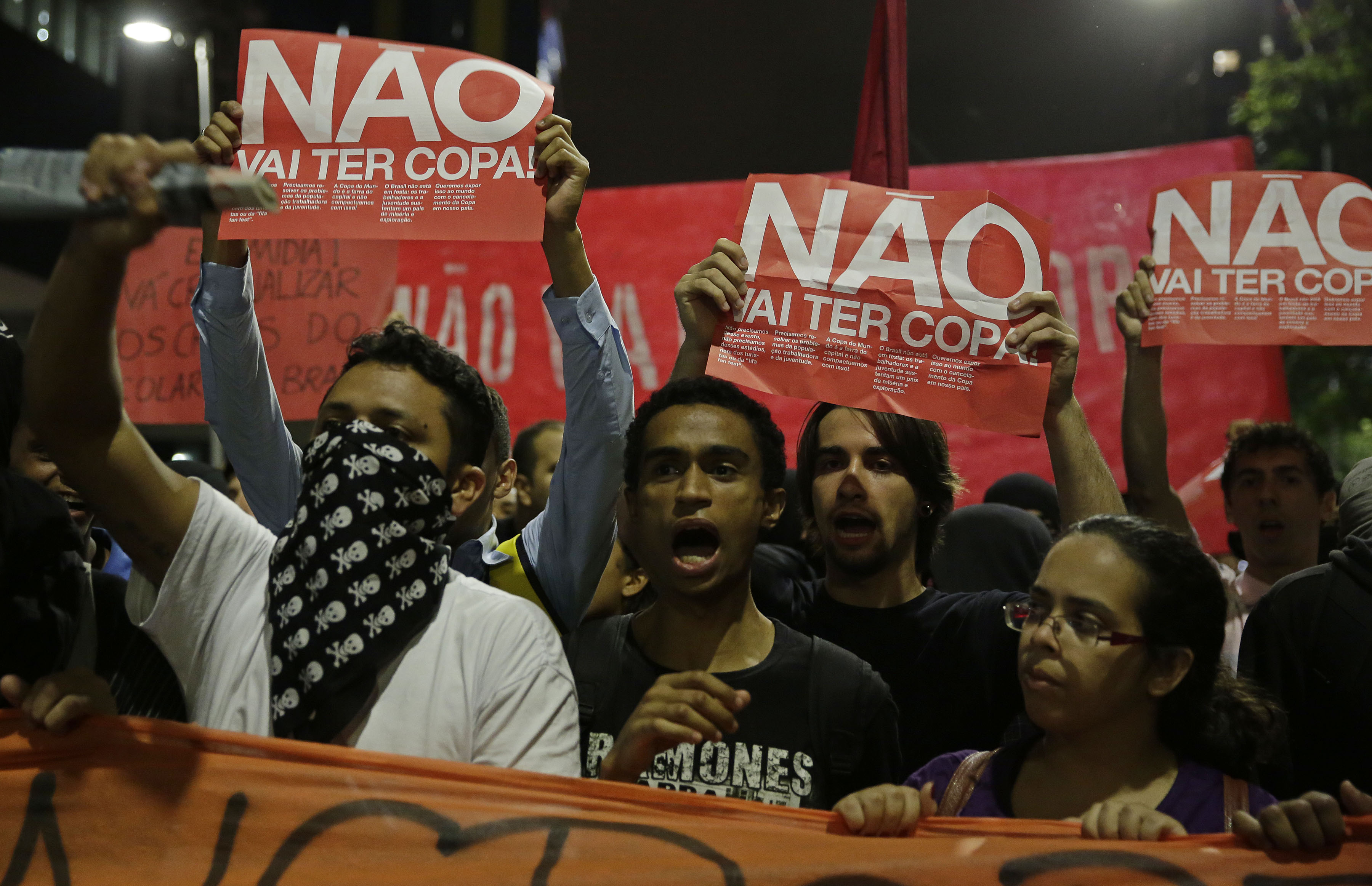Протесты в Сан-Паулу против чемпионата мира