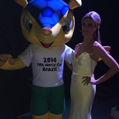Фернанда Лима и талисман ЧМ-2014 Фулеко