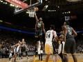 НБА: Голден Стэйт разгромил Сан-Антонио, Денвер в напряженной игре уступил Бруклину