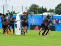 Сборная Бельгии веселится на тренировке перед матчем с Уэльсом