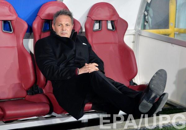 Синиша Михайлович отправлен в отставку