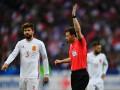 Арбитр матча Франция - Испания два раза менял решения из-за видеоповторов