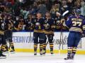 НХЛ: Каролина пятый раз выиграла, победы Баффало и Анахайма