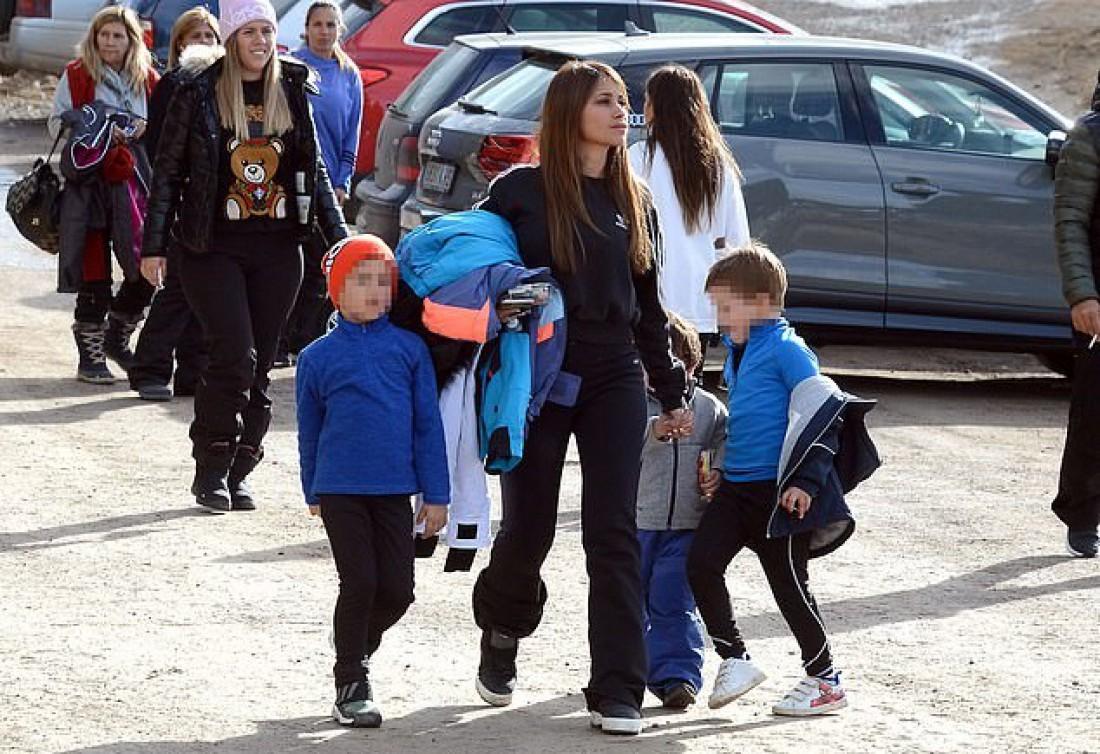 Антонелла Рокуццо с детьми