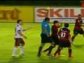 Хулиганские выходки: Обиженный футболист приложился ногой по судье