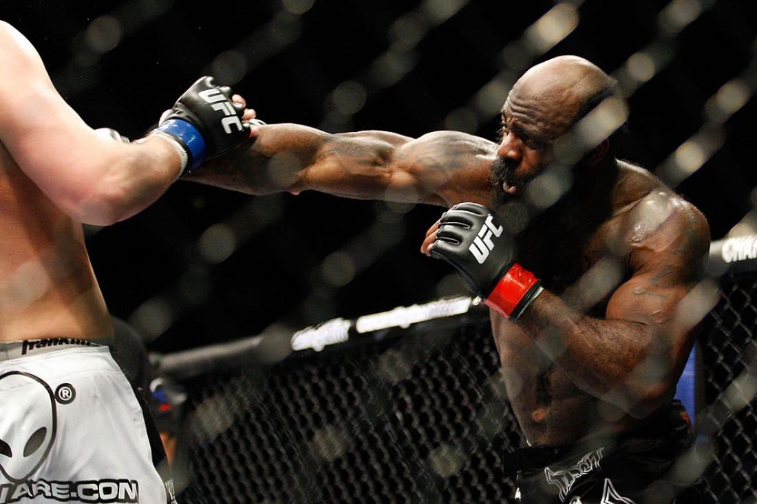 Кимбо Слайс в поединке на UFC Show