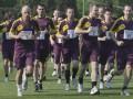 Парни в форме. Физкульт-привет от арбитров Евро-2012