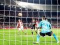 Гол из аута: Фейеноорд забил спорный мяч в Лиге Европы