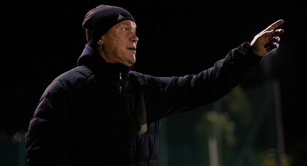 Олег Блохин руководит командой в матче против Стяуа