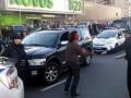 Избитый полицией Олейник: Еду в больницу накладывать швы