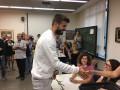 Пике под аплодисменты проголосовал на референдуме о независимости Каталонии