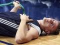 Лидер сборной России по баскетболу покинул матч на скорой помощи