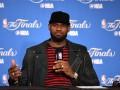 НБА: ЛеБрон побрился налысо и начал подготовку к новому сезону