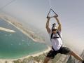 Экстремалы устроили прыжки с самого высокого здания в Дубаи