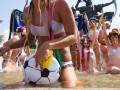 Фотогалерея: Девушки любят погорячее. FEMEN провело акцию протеста, приуроченную к Евро-2012