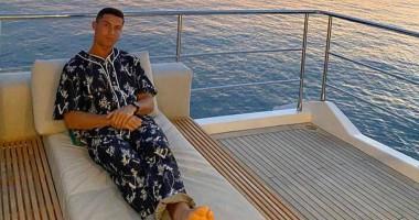 Роналду после очередного рекорда отправился на морскую прогулку