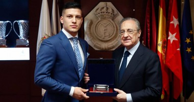 Реал официально представил Йовича