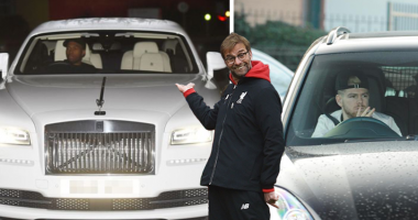 Клопп удивил своим авто, на фоне футболистов Ливерпуля