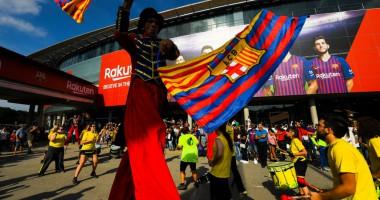 Барселона представила обновленную клубную эмблему
