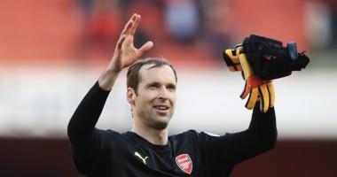 Игрок Арсенала круто зачитал рэп для всей команды