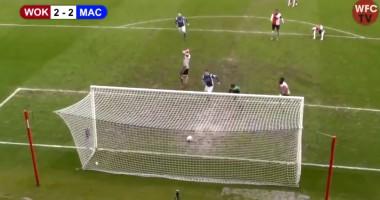 Нелепый гол из пятого дивизиона Англии, который забили из-за того, что защитник сдался