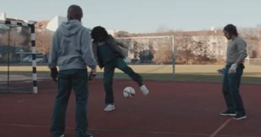 Рибери и Алаба замаскировались, чтобы сыграть в футбол во дворе