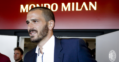 Лидер защиты Ювентуса прибыл в расположение Милана для завершения перехода