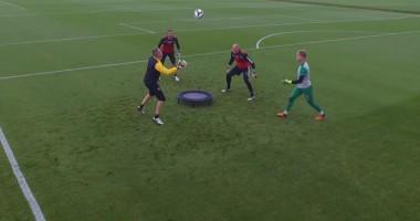 Вратари английского клуба провели бешеную тренировку с батутом