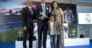 Весь в папку: сын Роналду стал лучшим бомбардиром и выиграл чемпионат