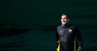 Экс-вратарь Барселоны показал, как нужно парировать пенальти от звездных игроков