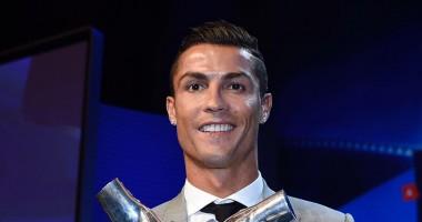 Роналду  похвастался своей наградой
