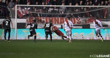 Лунин отбил пенальти в матче Кубка Испании против Райо Вальекано