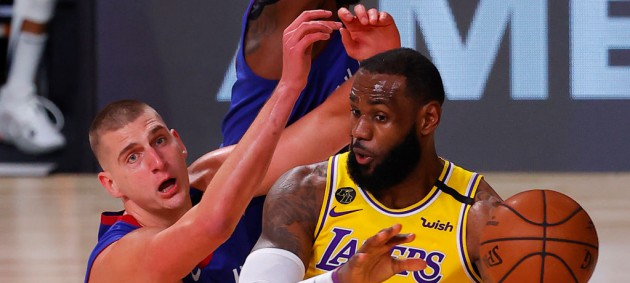 НБА: Лейкерс выиграли первый матч серии против Денвера