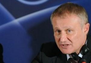 Суркис поздравил российских футбольных коллег