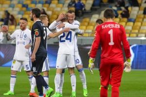 Динамо - Черноморец 2:1 Яркие фото победы киевлян